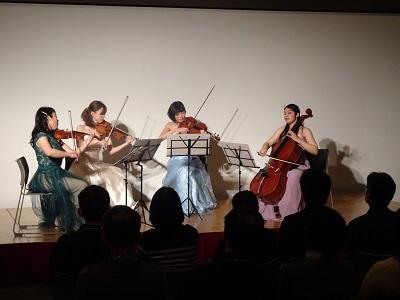 第3部 弦楽四重奏の生演奏。映画音楽を中心に楽しんでいただきました
